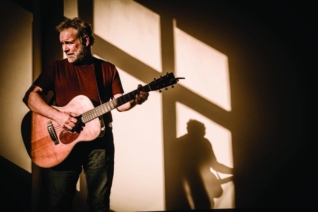 JOHN GORKA. (Photo: Joe del Tufo/Moonloop Photography)