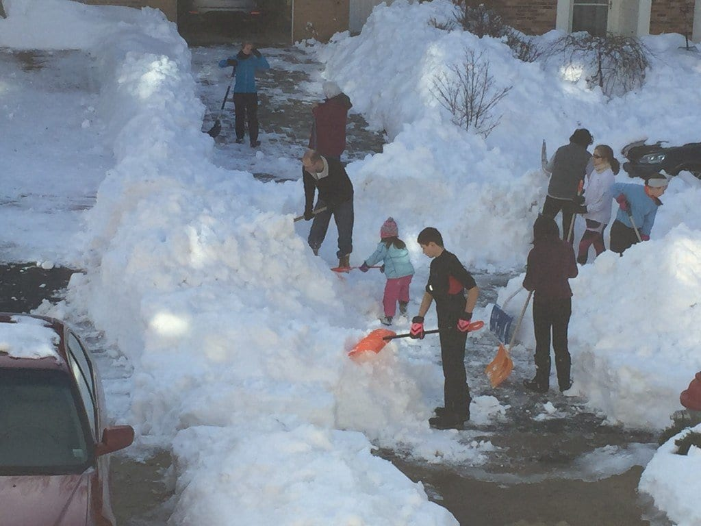 James Thurber Court residents unite to dig out. (Photo: Yuki Kim Hill)