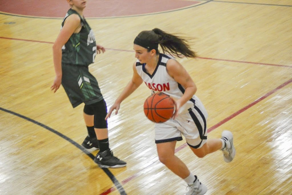 Mason junior guard Sarah Lubnow drives toward the basket during the Mustangs' win over William Monroe High School on Wednesday, Jan. 6. (Photo: Carol Sly)