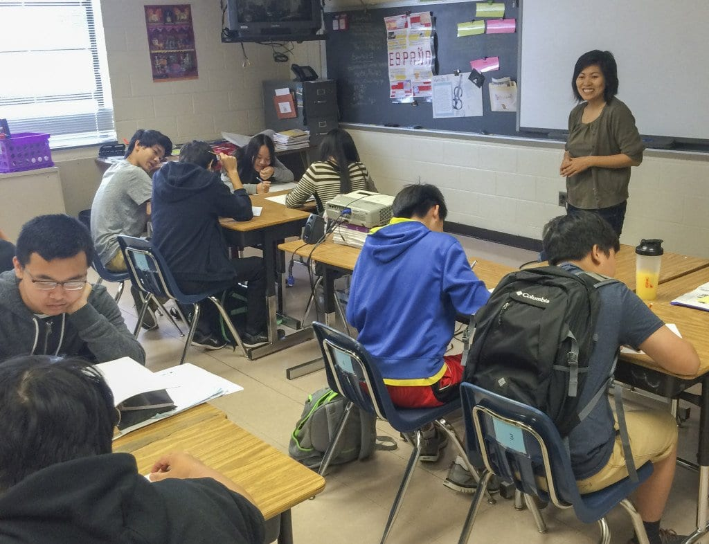 Yen Weiner teaches the Vietnamese 1 class at Falls Church High School. Falls Church High School is the first school in the state to offer the course. (Photo: Alissa Grisler/News-Press)