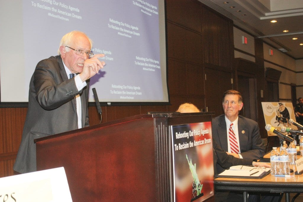 PRESIDENTIAL CANDIDATE BERNIE SANDERS speaks to a crowd in North Arlington. (Photo: News-Press)
