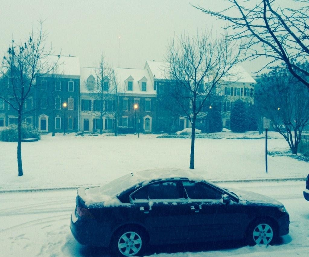 There were parts of Northern Virginia that had two inches of snow at 8:40 a.m. this morning. (Photo: Twitter/@mgoffee)