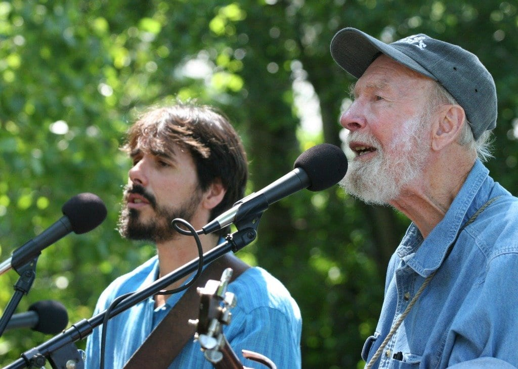 Spook Handy (left) with Pete Seeger (Photo: Courtesy of Econsmith)