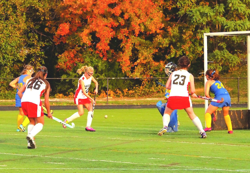 Mason's field hockey team goes on the attack against Northampton High School during their 1-0 victory over the Yellow Jackets. Junior Caroline Stricker scored Mason's lone goal in the match. They play in the Conference 24 championship tonight. (Photo: Justin Wills)