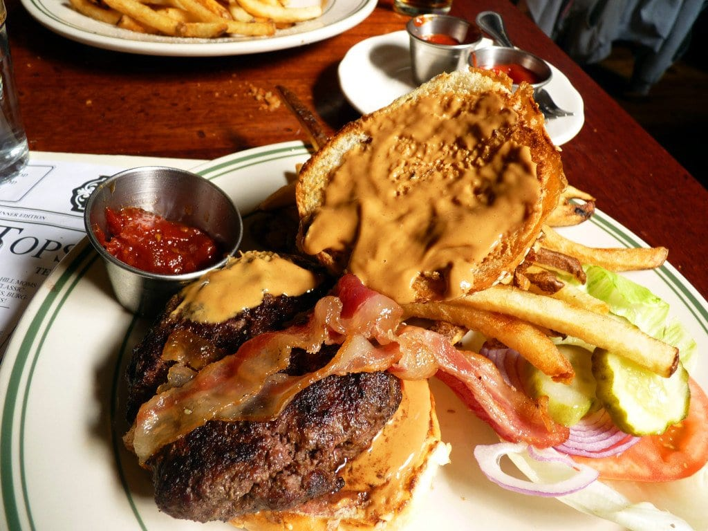 Ted's Bulletin's peanut butter and bacon burger. (Photo: Burger Days)