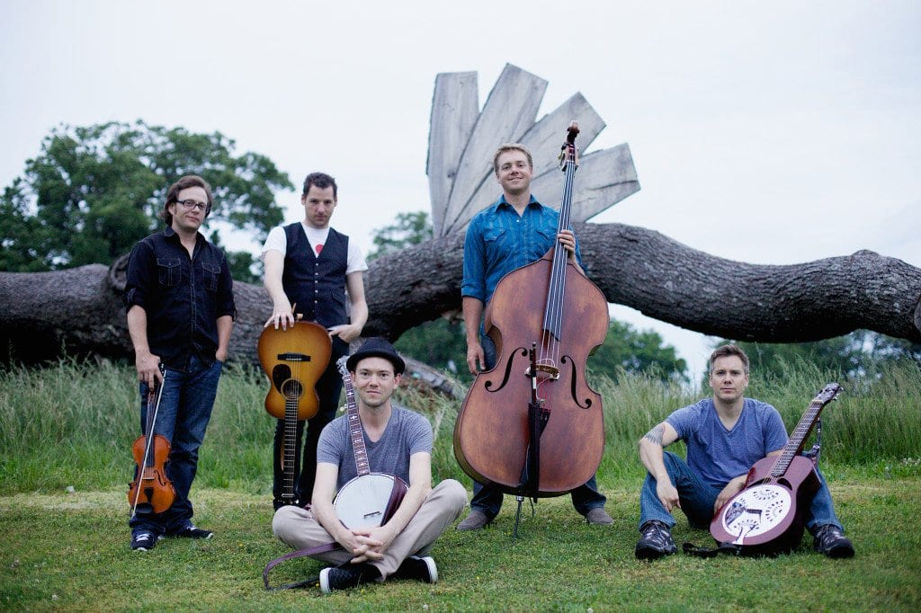 The Infamous Stringdusters (Photo: Tom Daly)